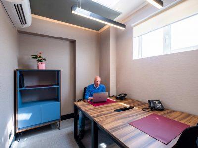 2 Desk Office