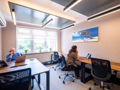 5 Desk Office