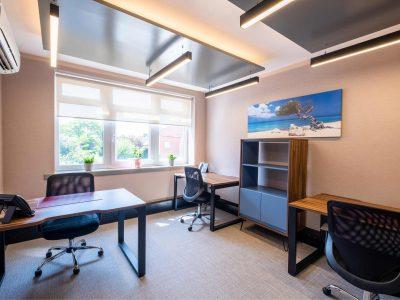 3 Desk Office