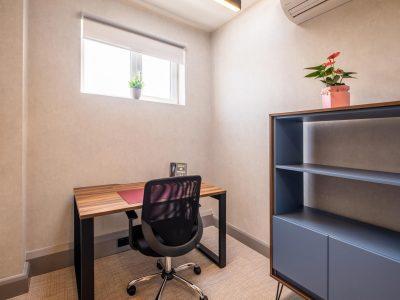 1 Desk Office